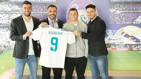 Rodrigo đã là người của Real. Ảnh AS.
