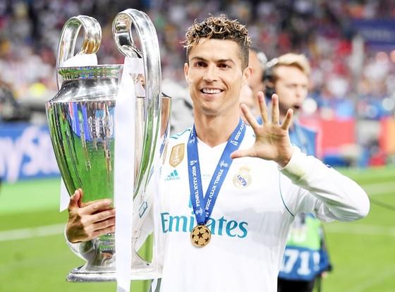 Mọi thứ đang khiến Ronaldo muốn rời khỏi Real. Ảnh: Getty Images
