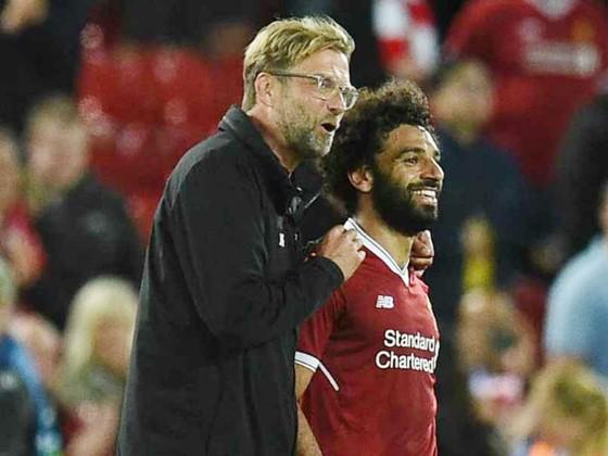 HLV Jurgen Klopp và Mohamed Salah thật sự tồn tại một mối quan hệ rất tốt. Ảnh: Getty Images
