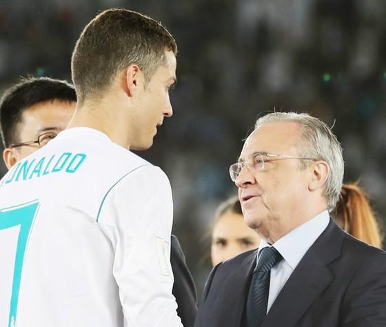 Ronaldo: Đằng sau nụ cười là sự tổn thương cùng cực ảnh 1
