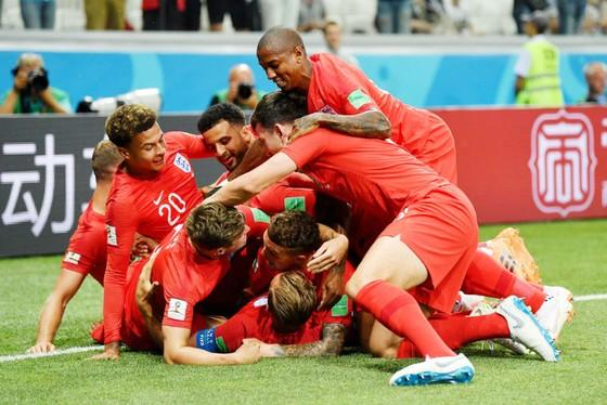Niềm vui của tuyển Anh sau chiến thắng quan trọng. Ảnh: Getty Images