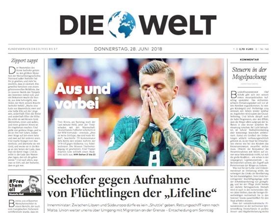 Báo chí Đức chỉ trích tuyển Đức nặng nề.