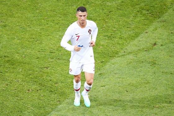 Uruguay - Bồ Đào Nha 2-1 : Ronaldo theo bước Messi về nước sớm ảnh 1