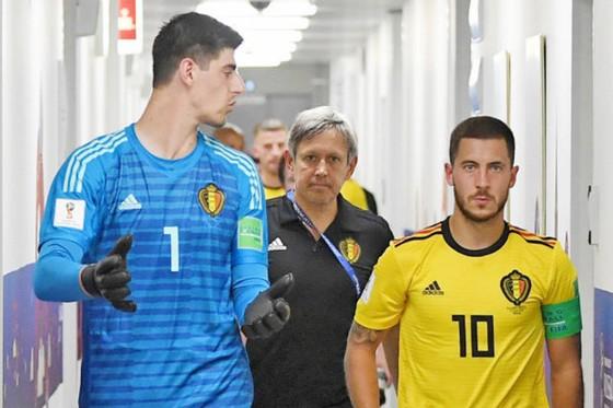 Eden Hazard (phải) và Thibaut Courtois có trở lại Chelsea sau khi kết thúc kỳ nghỉ vào giữa tháng 8 hay không vẫn là dấu hỏi. Ảnh: Getty Images