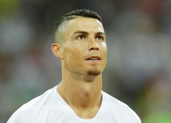 Ronaldo đến Juve không hẳn là tin vui cho mọi người. Ảnh: Getty Images