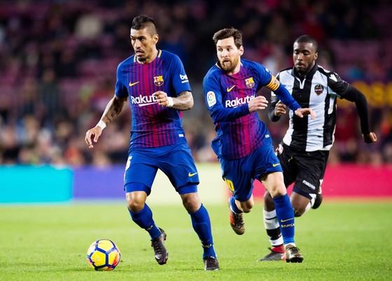 """3 năm chi tiền """"khủng"""", Barca vẫn đau đầu với bài toán tiền vệ ảnh 1"""