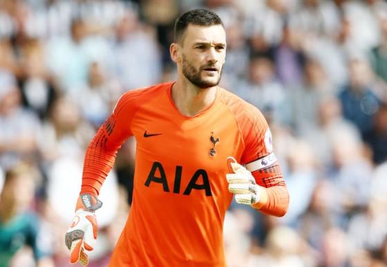 Hugo Lloris có thể khiến Tottenham vướng vào rắc rối. Ảnh: Getty Images
