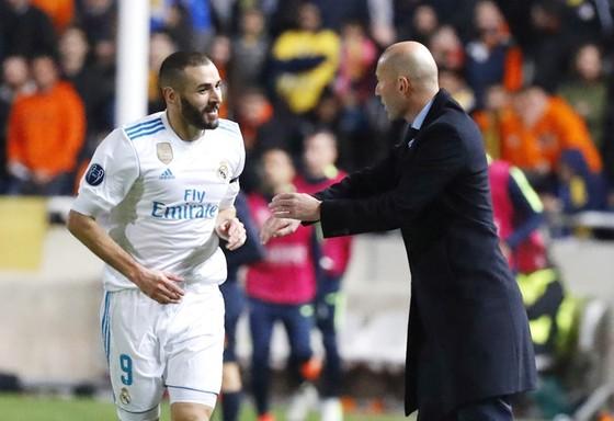 Zidane luôn hết mực bảo vệ Benzema khi còn dẫn dắt Real. Ảnh Getty Images.