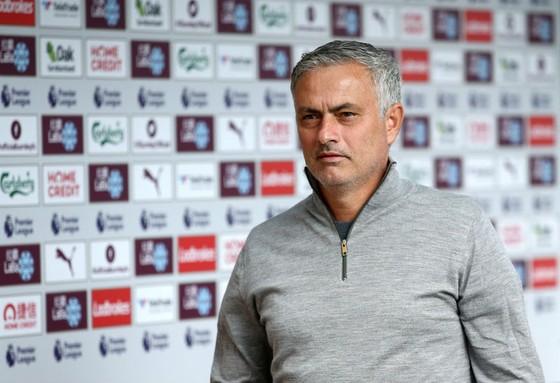 HLV Jose Mourinho đã từ chối xác nhận về sự ủng hộ của cầu thủ. Ảnh: Getty Images