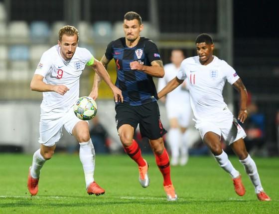 Harry Kane (trái) và tuyển Anh đã không có chiến thắng dù chơi lấn lướt. Ảnh: Getty Images