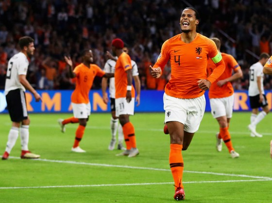 Hà Lan - Đức 3-0: Niềm tin lụi tàn, Đức chịu thảm bại ảnh 1