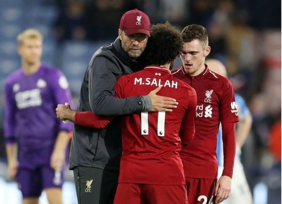 Thắng chật vật, thầy trò Liverpool vẫn… ăn mừng ảnh 1