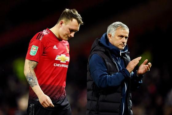 """HLV Jose Mourinho tin rằng ông phải """"liệu cơm gắp mắm"""". Ảnh: Getty Images"""