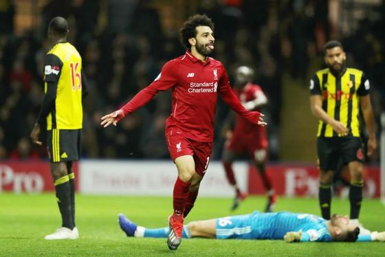 Mohamed Salah hy vọng Liverpool sẽ nâng cúp trên sân nhà ở ngày cuối cùng. Ảnh: Getty Images