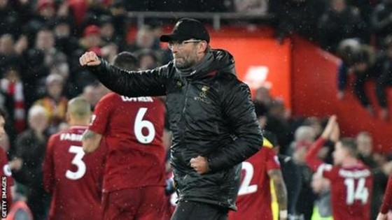 """""""Chiến thắng hoàn hảo"""" đưa Liverpool trở lại ngôi đầu ảnh 1"""