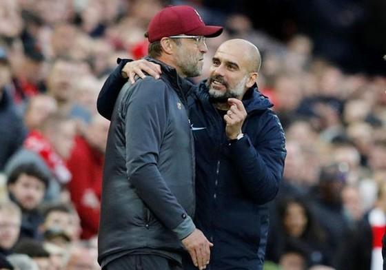 Pep Guardiola (phải) liệu sẽ tìm ra giải pháp để thay đổi kết quả trước Jurgen Klopp? Ảnh: Getty Images