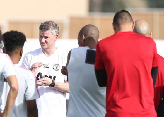 HLV Ole Gunnar Solskjaer tin sự chuẩn bị tốt có thể giúp Man.United thắng tại Totenham. Ảnh: Getty Images