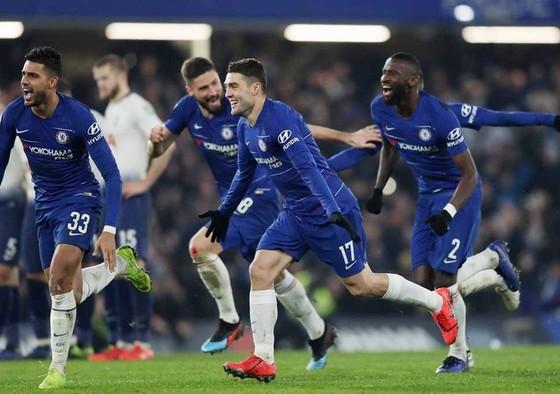 Hazard bừng sáng, Chelsea vào chung kết Cúp Liên đoàn ảnh 1