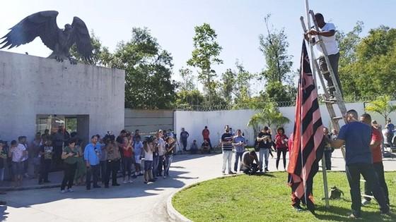 Flamengo treo cờ rũ để tang cho thảm kịch.
