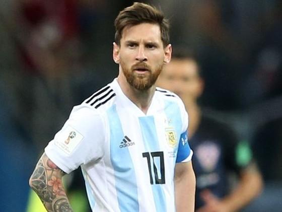 """""""Cô đơn"""" ở La Liga, Messi bất ngờ công bố kế hoạch giải nghệ ảnh 1"""