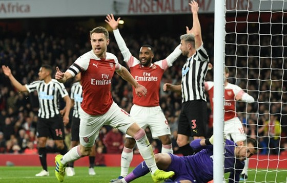 """Lấy vị trí thứ 3 của Tottenham, sao Arsesal """"chọc ngoáy"""" kình địch ảnh 1"""