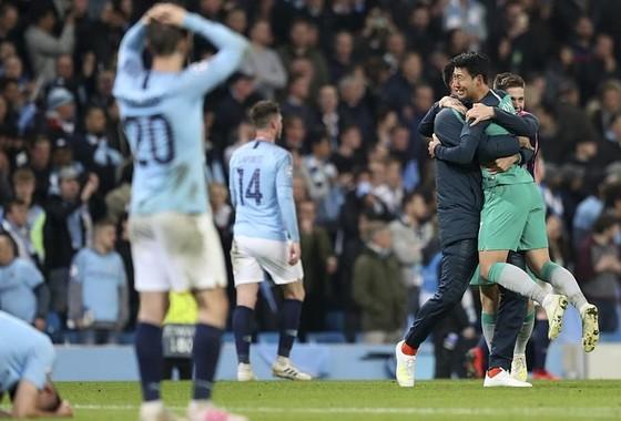 Guardiola thừa nhận cầu thủ Man.City vẫn còn sốc ảnh 1