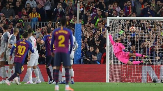 Messi chạm mốc 600 bàn, mở toang cửa vào chung kết cho Barca ảnh 1