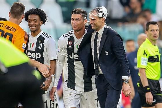 Cristiano Ronaldo và HLV Massimiliano Allegri đã phải sớm chia tay chỉ sau 1 năm. Ảnh: Getty Images