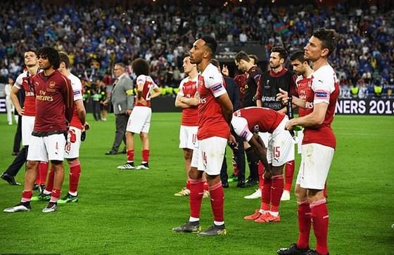 "Arsenal ""tặng"" suất Champions League cho ai? ảnh 1"