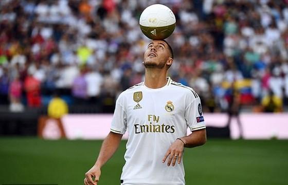 Hazard khát khao cùng thần tượng Zidane làm nên lịch sử  ảnh 1