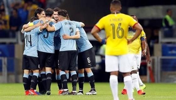 "Uruguay - Ecuador 4-0: ""Song sát"" Suarez, Cavani hủy diệt Ecuador ảnh 1"