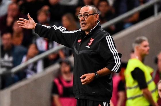 HLV Maurizio Sarri chỉ đạo trong hành trình giao hữu trước mùa giải của Juve. Ảnh: Getty Images