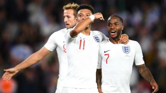 Raheem Sterling tiếp tục tuyền cảm hứng vào những chiến thắng của tuyển Anh. Ảnh: Getty Images