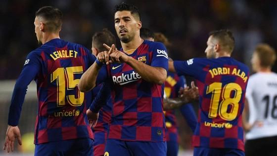 Hazard ra mắt, Suarez tỏa sáng ngày trở lại ảnh 1