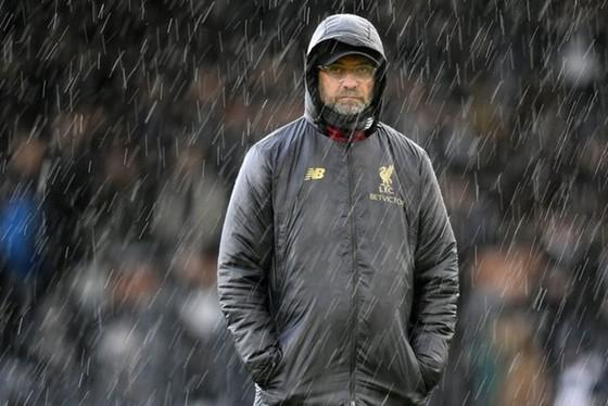 HLV Jurgen Klopp không thoải mái khi làm việc tại Anh. Ảnh: Getty Images