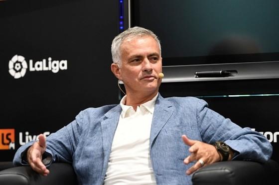 Mourinho từ chối nói về Real vì tôn trọng Zidane ảnh 1