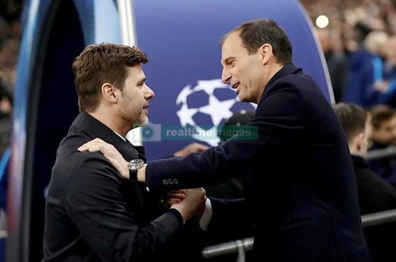 Massimiliano Allegri (phải) và HLV Mauricio Pochettino khi đối đầu nhau ở Champions League. Ảnh: Getty Images