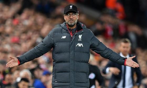Hoang phí 3 bàn dẫn trước, Liverpool suýt nhận bài học cay đắng ảnh 1