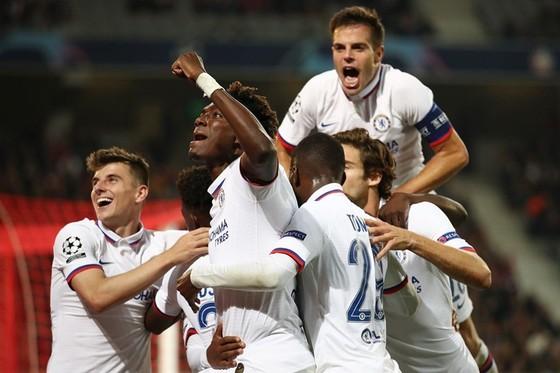Tiền đạo trẻ Tammy Abraham tiếp tục xuất sắc cùng Chelsea. Ảnh: Getty Images