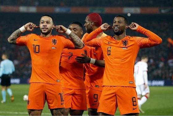 Vòng loại EURO 2020: Tuyển Bỉ giành tấm vé đầu tiên ảnh 1
