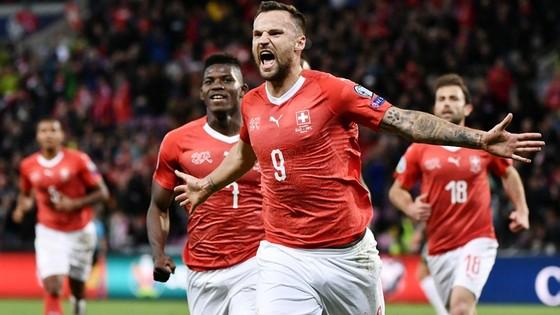 Vòng loại EURO 2020: Những bàn thắng muộn giúp Tây Ban Nha đoạt tấm vé thứ 6 ảnh 1
