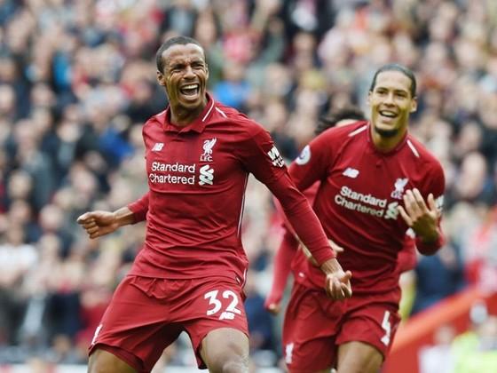 """Man.United trói chân """"thần đồng"""", Liverpool gia hạn trung vệ trụ cột ảnh 1"""