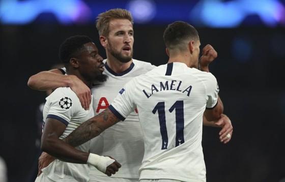 Harry Kane tin rằng Tottenham có thể gây sốc tại Liverpool. Ảnh: Getty Images