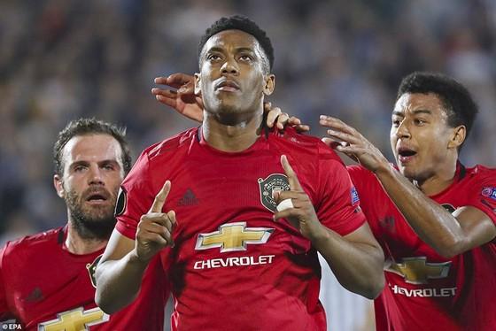 Anthony Martial ghi bàn giúp Man.United giành chiến thắng nhọc nhằn. Ảnh: Getty Images
