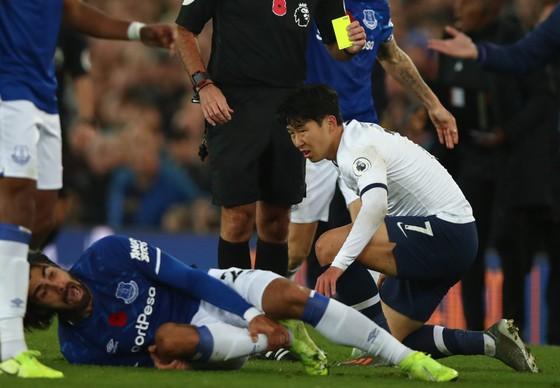 Tottenham kháng cáo thẻ đỏ của Son, tranh cãi về VAR vẫn nóng ảnh 1