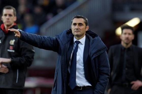 HLV Ernesto Valverde tin vẫn đang nhận được sự ủng hộ. Ảnh: Getty Images