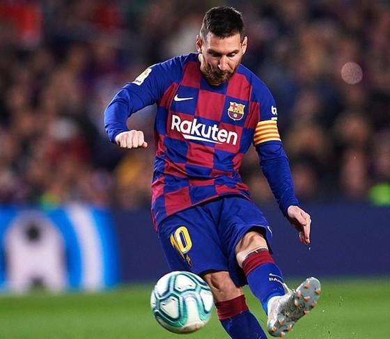 Messi cân bằng kỷ lục ghi hat-trick theo cách không ai sánh kịp ảnh 1