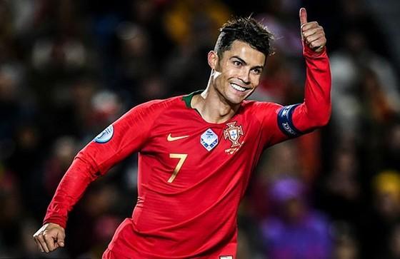 Vòng loại EURO 2020: Những cú hat-trick nâng bước tuyển Anh, Bồ Đào Nha ảnh 1