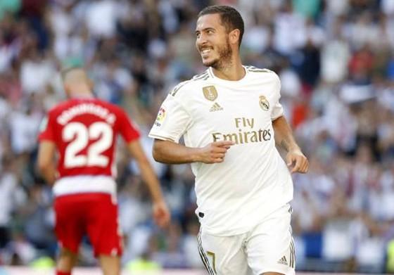 Eden Hazard và niềm vui ghi bàn duy nhất trong màu áo Real Madrid. Ảnh: Getty Images