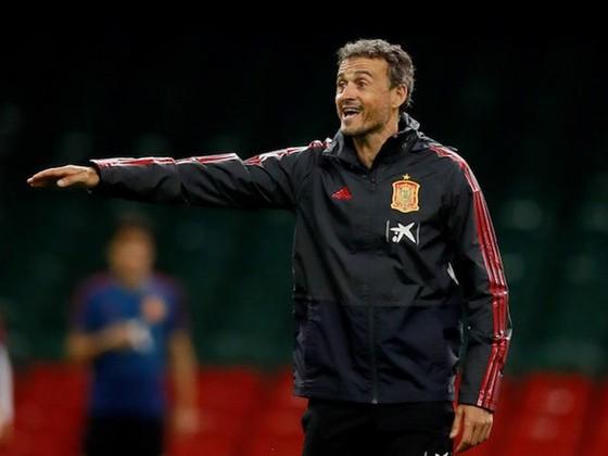 Luis Enrique trở lại cương vị HLV tuyển Tây Ban Nha trong tranh cãi. Ảnh: Getty Images